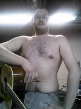 SugarBaby-Male profile 125Guitarist