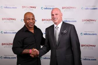 SugarDaddy My friend, Champ Mike Tyson and me after his show Kennet2521 Average