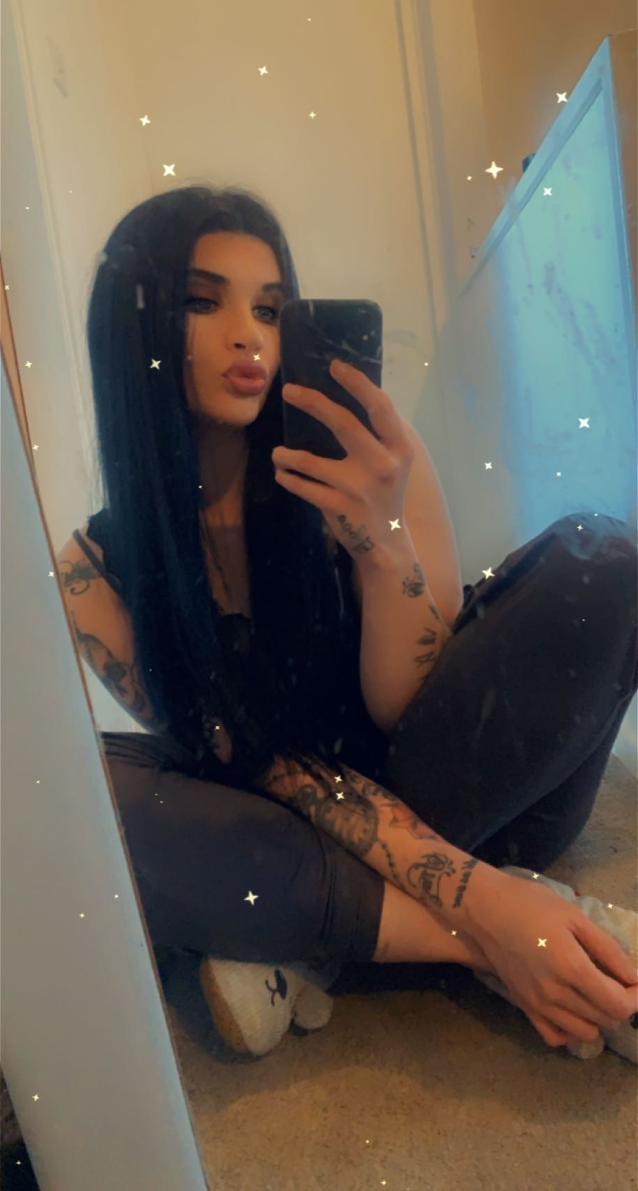 25-year-old, Single From: Belfast , Ireland , United Kingdom