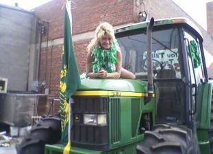 SugarMomma St Paddys day parade farmgirl1964 Average
